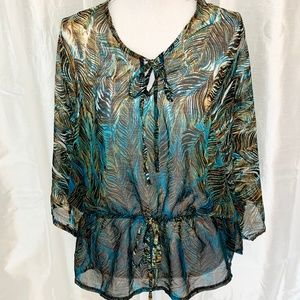 NEW DIRECTIONS    BEAUTIFUL OVERSIZED TOP    SMALL